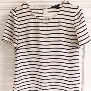 Flowy White and Black Short Sleeve Top